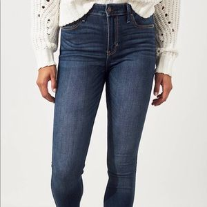 Hollister Classic Stretch High-Rise Skinny Jeans